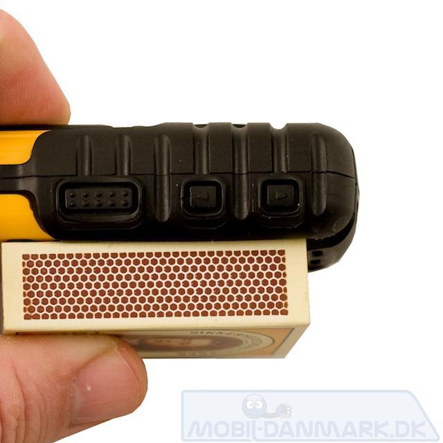 25 mm tyk er altså rigtig tykt for en mobiltelefon