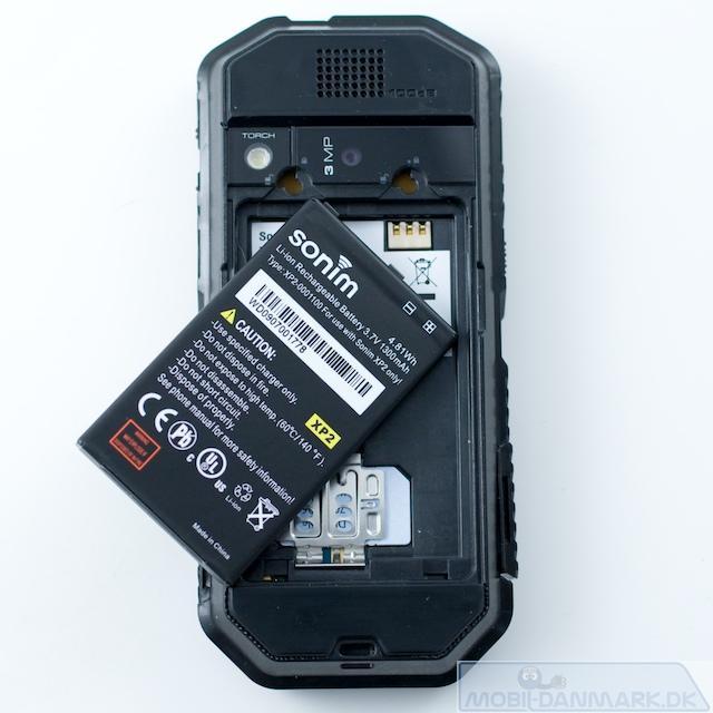 Batteriet på 1300 mAh fylder en del