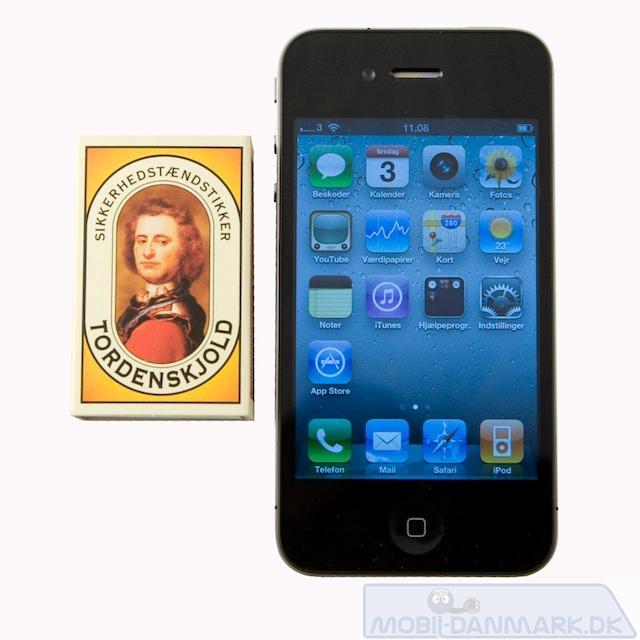 Iphone 4 ved siden af tændstikæsken