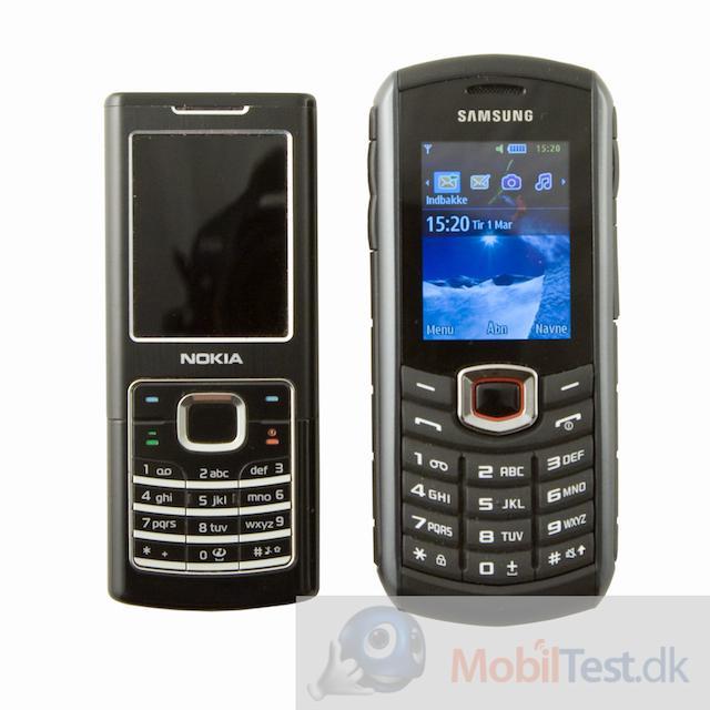 Xcover 271 ved siden af Nokia 6700