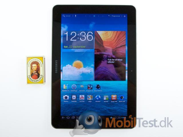 Galaxy Tab ved siden af tændstikæsken