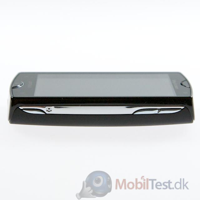 Højre side af Xperia Mini