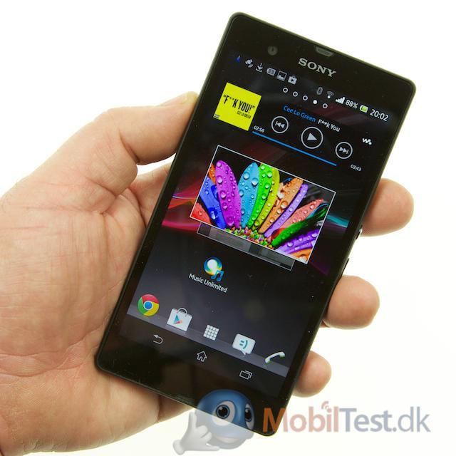Xperia Z er ikke en lille mobil
