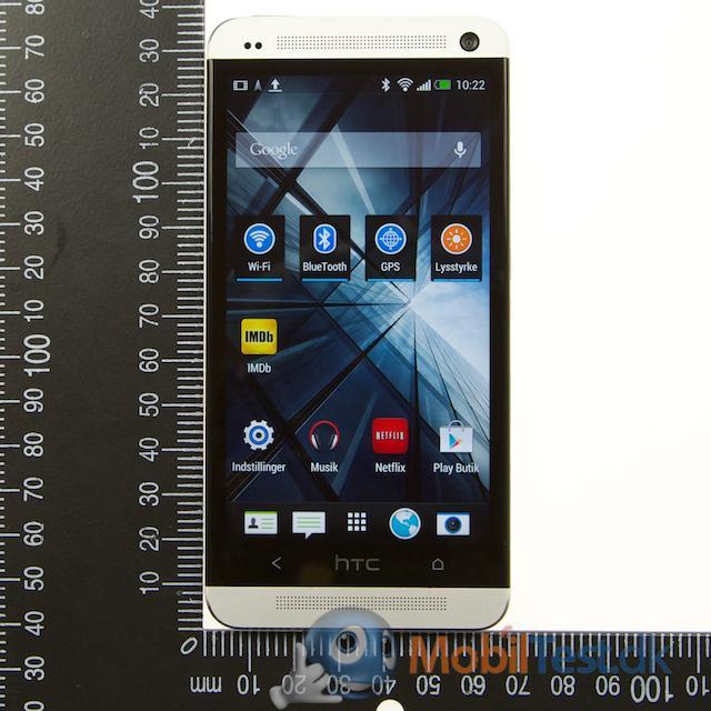 HTC One og målepind