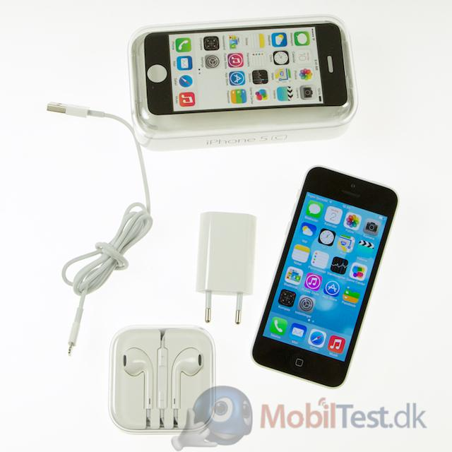 iPhone 5C med æske og tilbehør