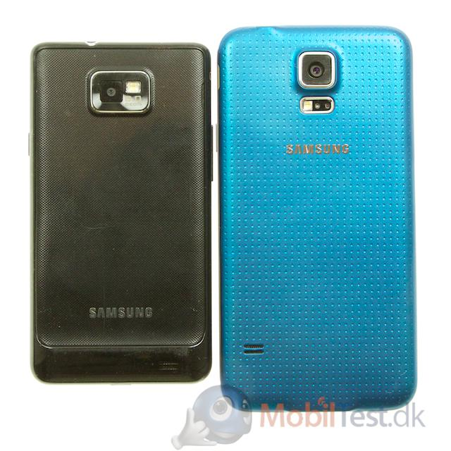Bagsiden af Galaxy S2 og S5
