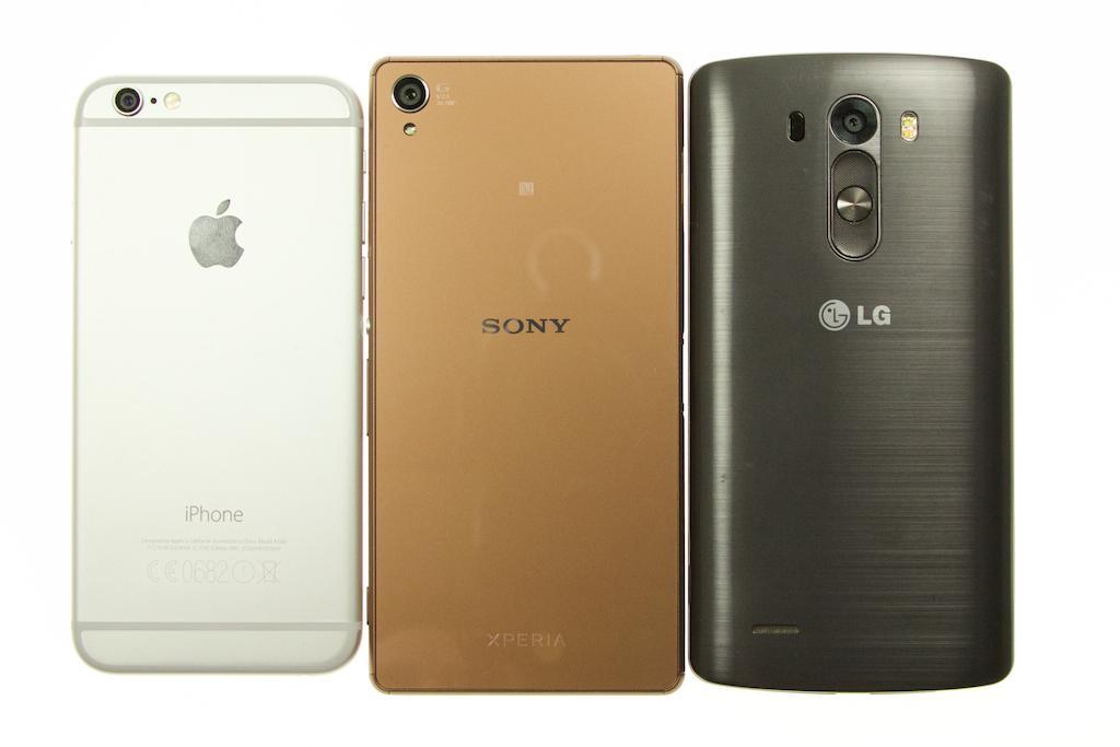 Bagsiden af iPhone 6, Sony Xperia Z3 og LG G3