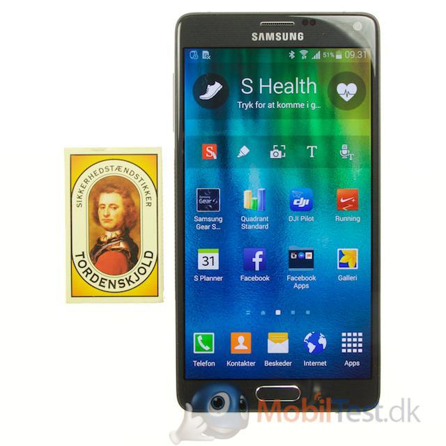 Galaxy Note 4 med tændstikæske