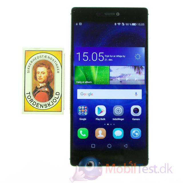 Huawei P8 med tændstikæsken